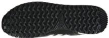 Рельеф подошвы кроссовок для занятий в спортзале