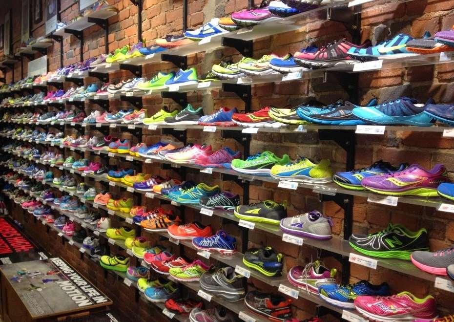 Обзор мужских кроссовок. Выбор лучшей модели ⋆ Obzorio.com 133f13dc711